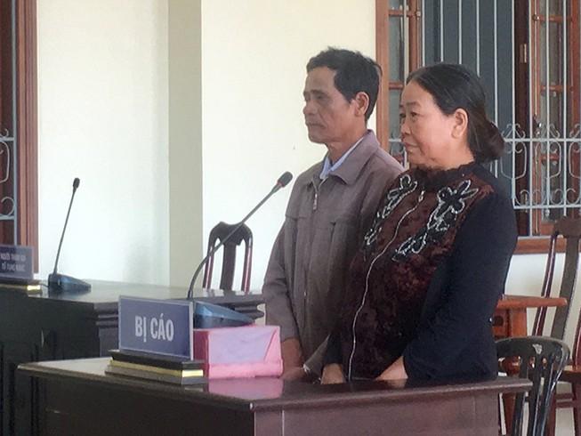 Cản cắm ranh đất, 2 vợ chồng hầu tòa