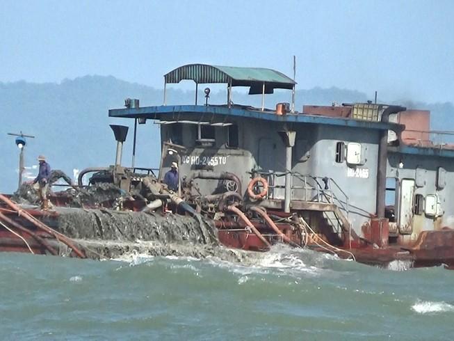 Tăng cường phòng, chống khai thác cát trái phép biển Cần Giờ
