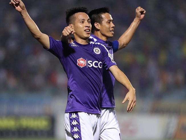 Các CLB Việt Nam hội quân chuẩn bị V-League trở lại