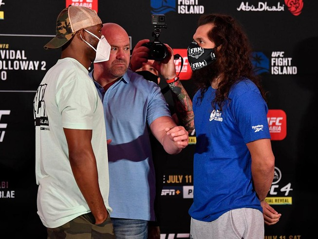 Võ đài UFC của bầu Dana White thắng đậm mùa COVID-19