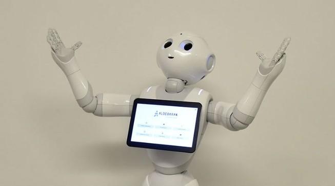 Lần đầu tiên robot nhập học với con người
