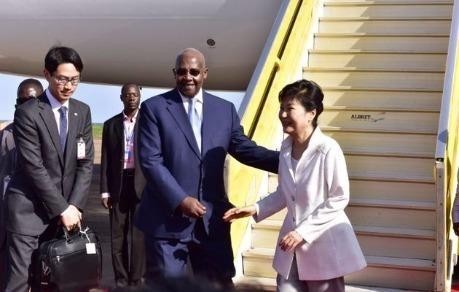 Uganda yêu cầu Triều Tiên rút nhân viên quân sự về nước