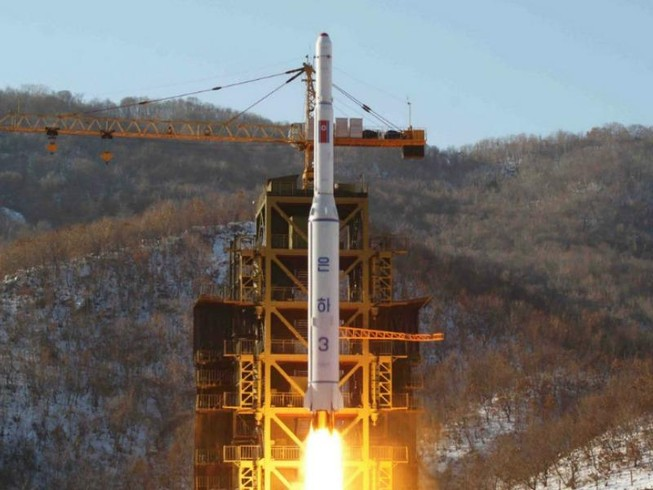 Triều Tiên phóng tên lửa ngay sau gặp gỡ Trump-Abe