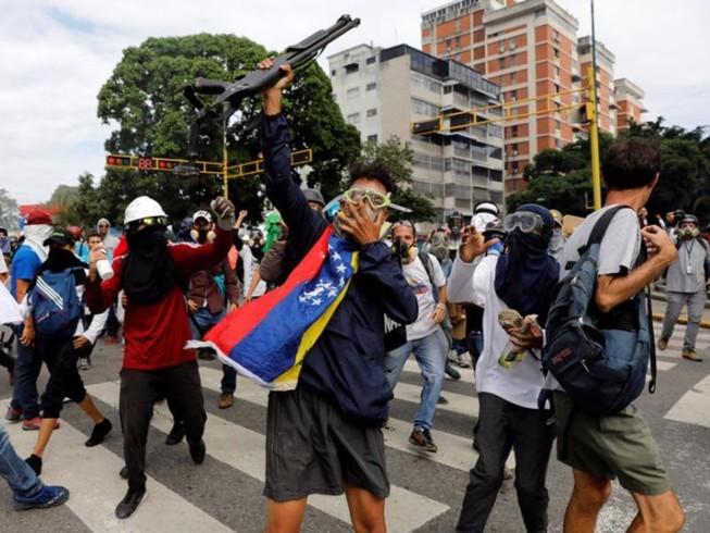 Venezuela ngày bầu cử: Bạo lực leo thang nghiêm trọng