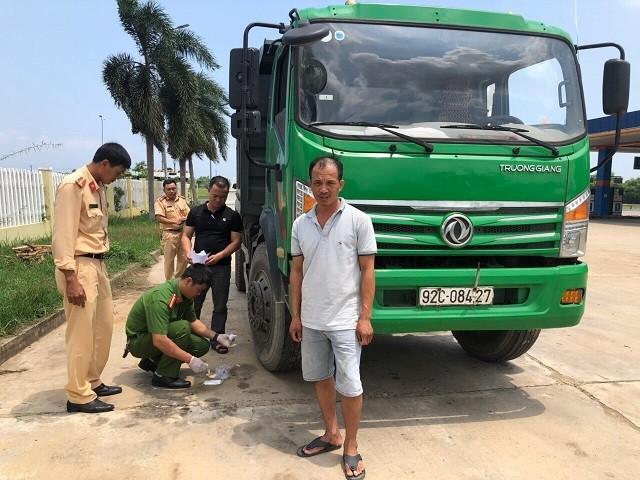 Bắt tài xế gây tai nạn rồi bỏ trốn