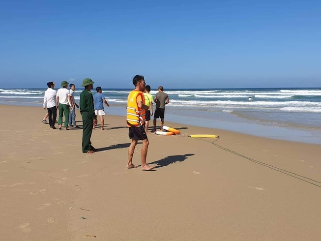 1 du khách quốc tịch Anh mất tích khi tắm biển