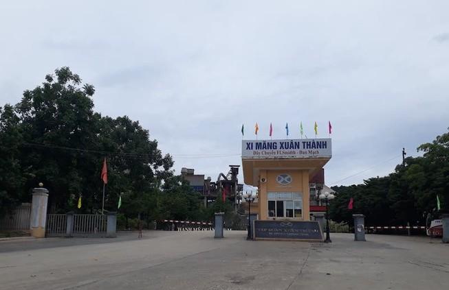 Cách ly hàng trăm công nhân nhà máy xi măng Xuân Thành