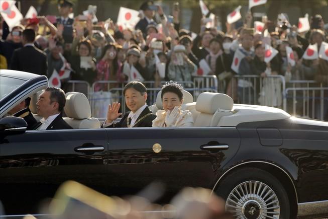 Hoàng hậu Nhật Bản mừng sinh nhật thứ 56, chưa hết stress