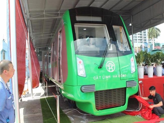 Lái tàu đường sắt Cát Linh được đào tạo ở Trung Quốc