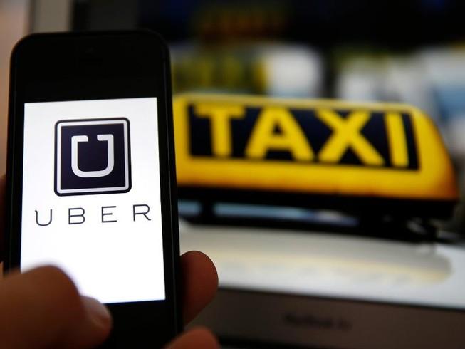 Hiệp hội Taxi Hà Nội kiến nghị dừng Uber, Grab