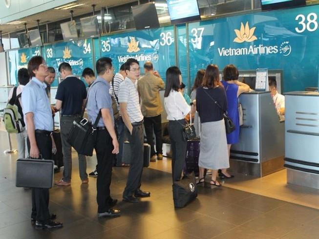 Để hành khách lên nhầm máy bay, phạt tiền 4 người