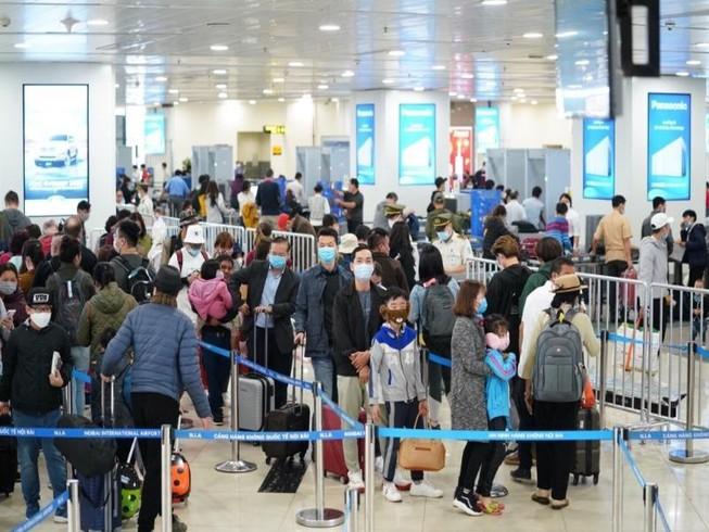 Hôm nay sân bay Nội Bài đón gần 600 công dân về nước