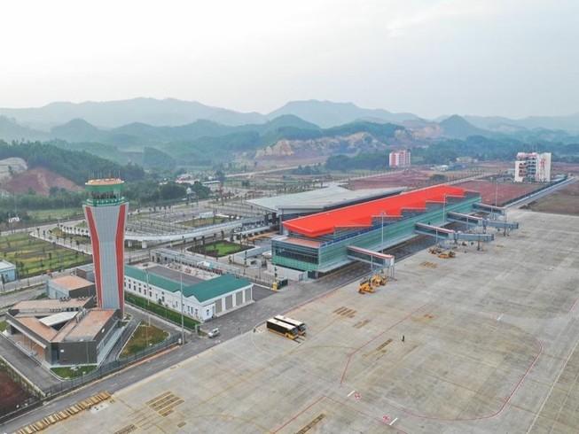Đề nghị kéo dài thời gian đóng cửa sân bay Vân Đồn đến 3-3