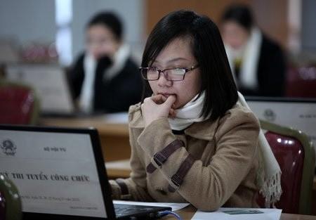 """Khánh Hòa thí điểm """"hạ chuẩn"""" miễn thi tuyển cán bộ, công chức"""