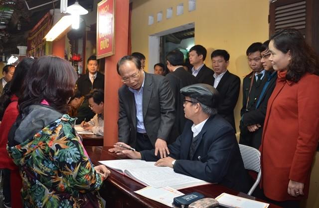 Bộ trưởng Văn hóa kiểm tra đột xuất các lễ hội sau tết