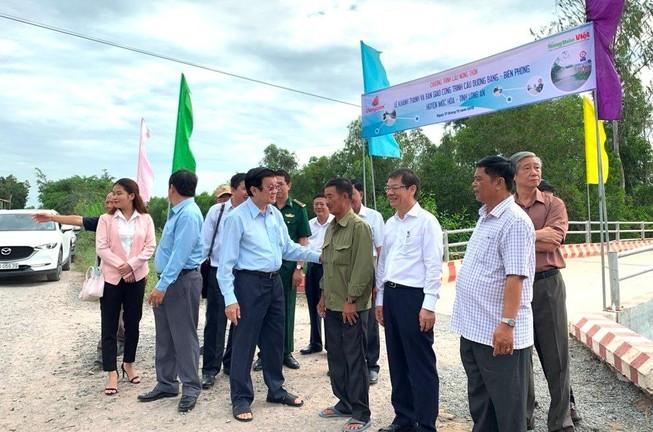 Nguyên CTN Trương Tấn Sang mang cầu nông thôn đến người dân