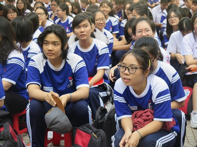 Bộ GD&ĐT: Xem xét cho học sinh đi học trở lại từ ngày 2-3