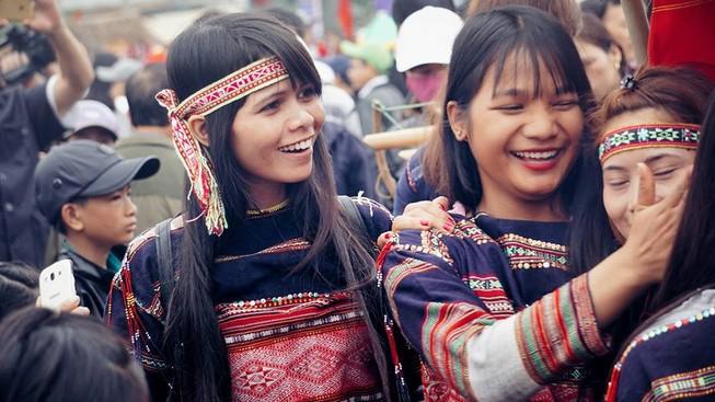 Ngẩn ngơ trước vẻ đẹp của các cô gái Bahnar
