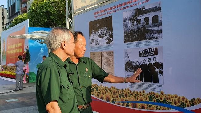 TP.HCM triển lãm ảnh 75 năm Quân đội nhân dân Việt Nam