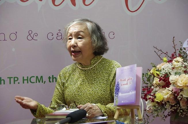 Cảm nhận hạnh phúc quanh ta qua tập thơ của nhà giáo 70 tuổi