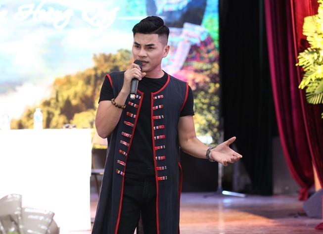 'Nguồn suối mẹ' của chàng ca sĩ 9X dân tộc Thái