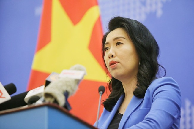 Các lực lượng chức năng Việt Nam đang giám sát tàu Trung Quốc