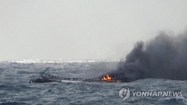 Đại sứ quán thông tin vụ cháy tàu, 6 người Việt mất tích