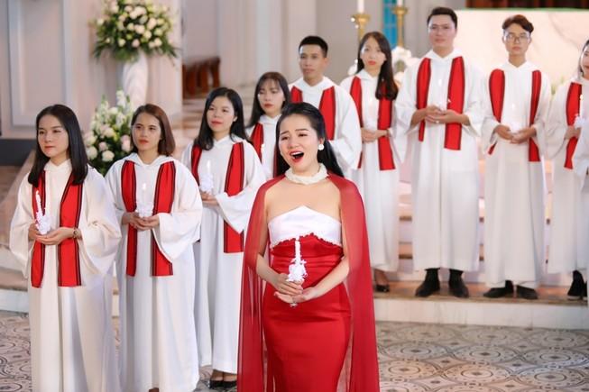 Á quân Sao Mai tặng MV cho những người con xứ Đạo dịp Noel