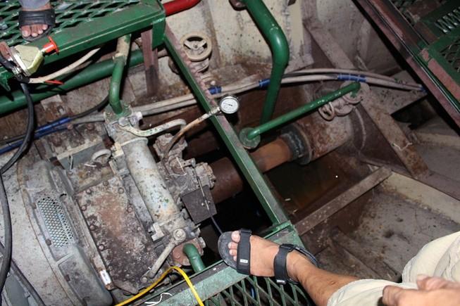 Công ty cung cấp máy xin thay máy mới tàu vỏ thép