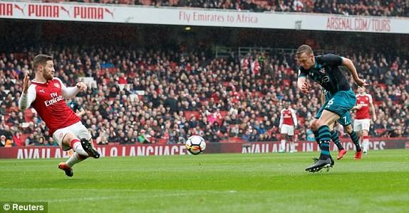 Arsenal ngược dòng đánh bại Southampton nhờ cựu sao MU