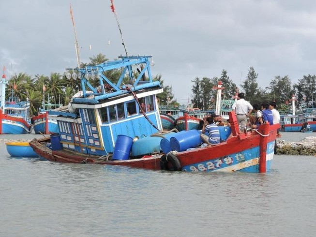 Ngư dân tố bị tàu của Trung Quốc đâm chìm ở Hoàng Sa