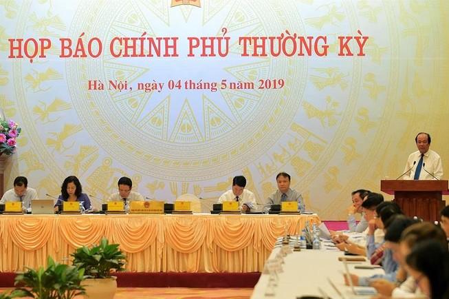 Buổi họp báo Chính phủ dưới sự chủ trì của Bộ trưởng, Chủ nhiệm Văn phòng Chính phủ, Người phát ngôn của Chính phủ Mai Tiến Dũng