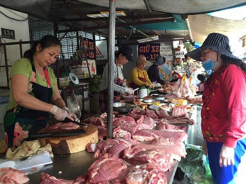 Trâu, cừu, gà... 'giải cứu' thiếu thịt heo