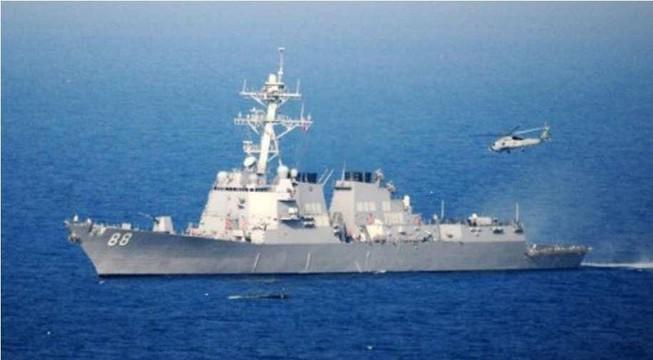 Tàu chiến Mỹ xuất hiện trên Biển Đông, thách thức Trung Quốc