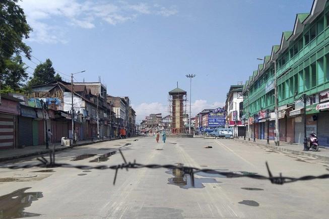 Căng thẳng với Ấn Độ: Pakistan đóng hành lang hàng không