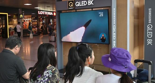 Hàn Quốc: Triều Tiên vừa bắn thêm 2 tên lửa