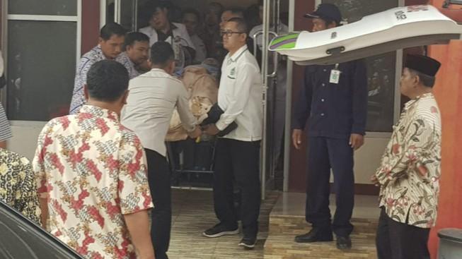 Bộ trưởng an ninh Indonesia bị đâm dao