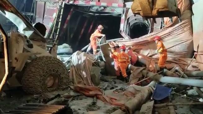 Trung Quốc: Sập đường hầm cao tốc, 4 người chết