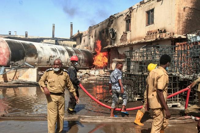 Cháy nhà máy gốm Sudan: Gần 70 người chết và bị thương