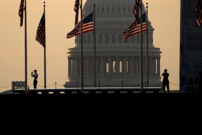 Mỹ gấp rút ngăn chặn chính phủ đóng cửa