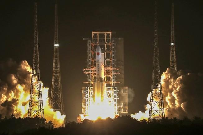 Trung Quốc phóng thành công tên lửa vệ tinh liên lạc tiên tiến