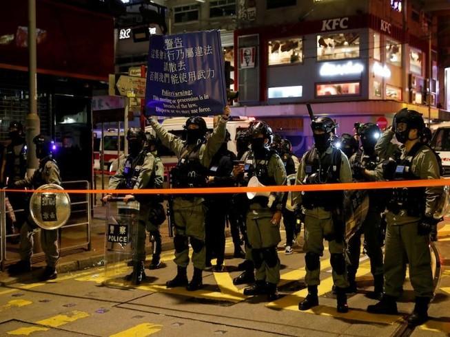 Cảnh sát Hong Kong bị cáo buộc vi phạm luật quốc tế
