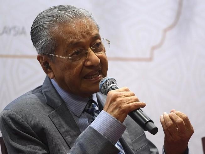 Thủ tướng Malaysia Mahathir Mohamad kêu gọi cộng đồng Hồi giáo đoàn kết lại sau vụ tấn công hạ diệt Tướng Soleimani. Ảnh: DPA