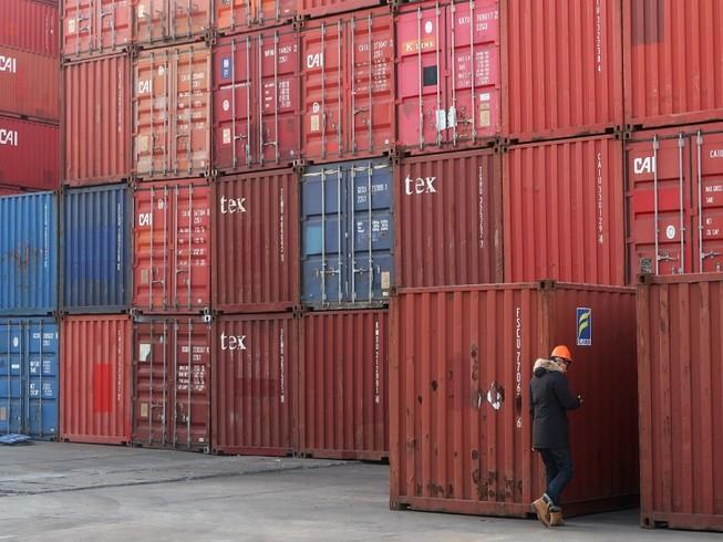 Trung Quốc sẽ nhập khẩu thêm số lượng lớn hàng hóa  từ Mỹ. Ảnh: REUTERS