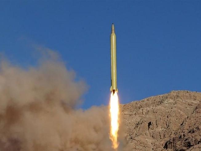 Căn cứ Trại Taji ở Iraq vừa bị ít nhất 5 tên lửa Katyusha tấn công tối ngày 14-1. Ảnh: REUTERS