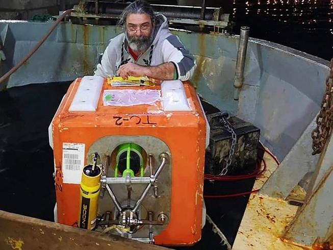 Hải quân Mỹ phải trả tiền để lấy lại một thiết bị thuộc hệ thống EARS từ một ngư dân Croatia. Ảnh: THE DRIVE