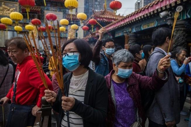 Hong Kong ban bố tình trạng khẩn cấp vì virus Corona