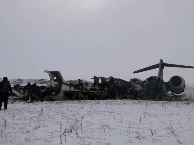 Hiện trường vụ rơi máy bay Mỹ ở Afghanistan, Ảnh: AFP
