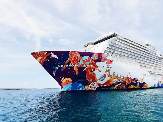 Du thuyền World Dream neo tại Hong Kong hồi tháng 12-2019. Ảnh: GETTY