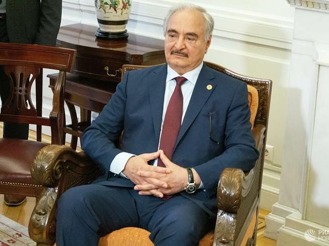 Tướng Khalifa Haftar nói Thổ Nhĩ Kỳ là một điều kiện cho lệnh ngừng bắn. Ảnh: RIA NOVOSTI